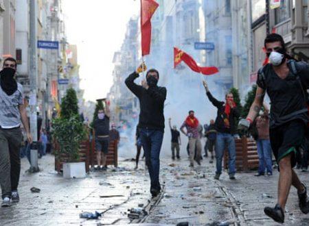 C'è chi è rimasto a Gezi (sempre i soliti, ovviamente)