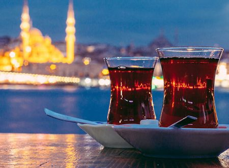 Le bevande di Istanbul, il çay (tè turco)