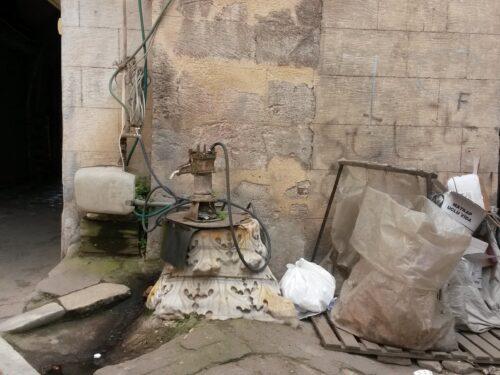 Il capitello romano di Galata diventato pompa d'acqua