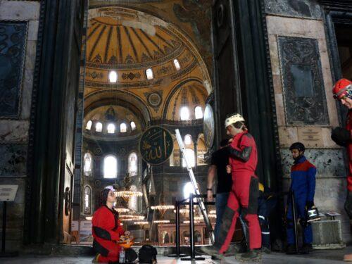 Nei cunicoli di Hagia Sophia a Istanbul