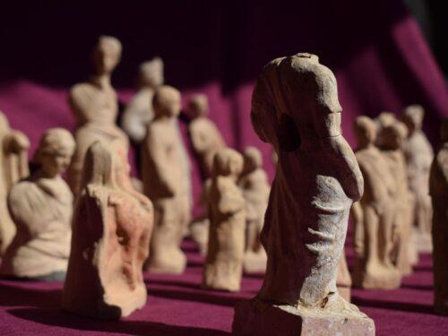 Le statuine in terracotta del teatro di Myra