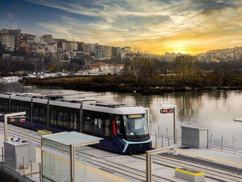 Balat e Fener: lungo il Corno d'Oro col tram