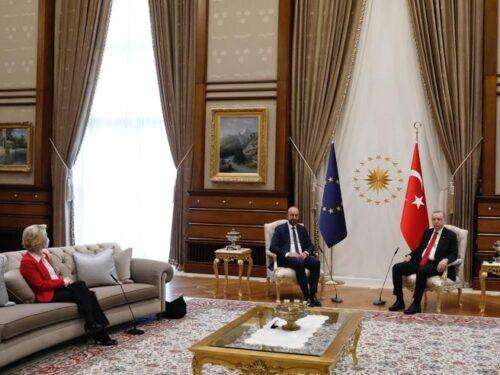 Von der Leyen, Erdoğan e la sedia mancante