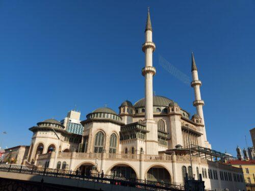 Moschea a Taksim, polemiche in Italia